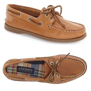 Sperry leather classic slip on boat shoes size 7.5